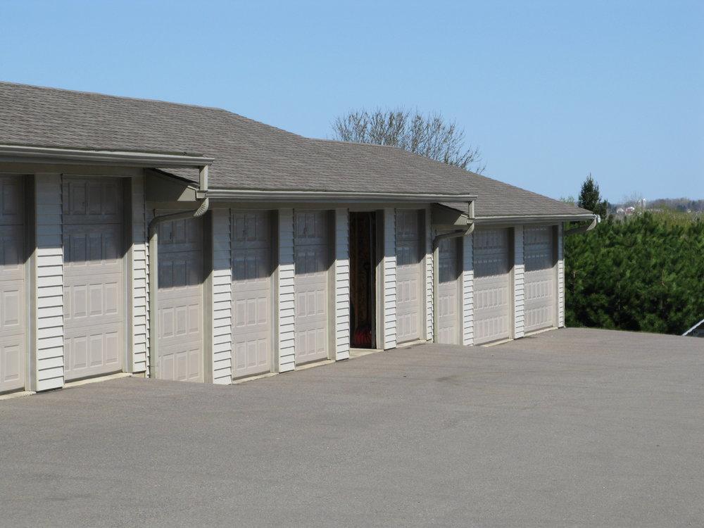 Hilltop Garages.JPG