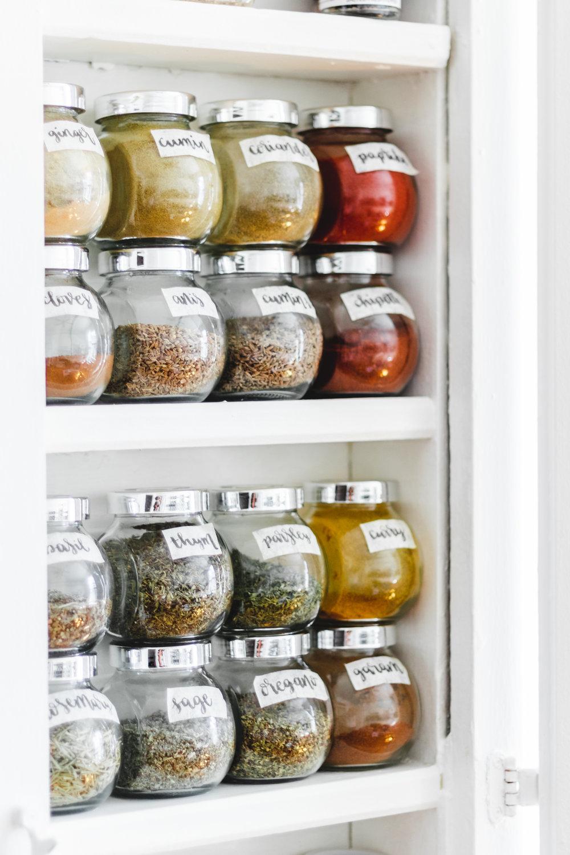 My Vegan Pantry Essentials (+ printable PDF)