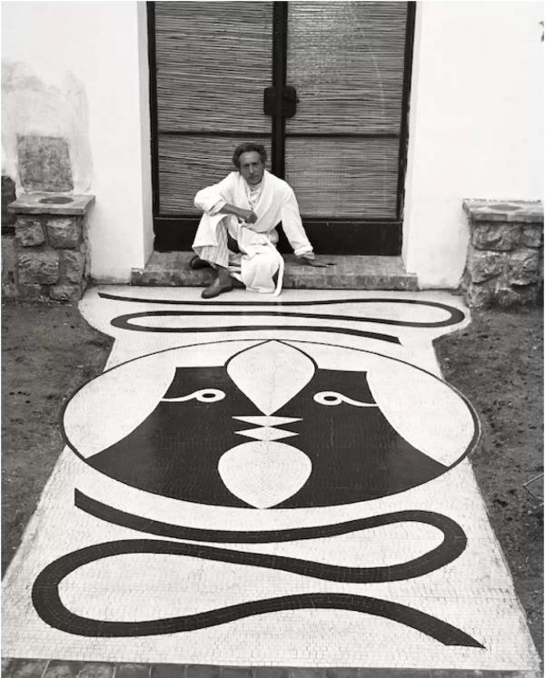 Edward Quinn, Jean Cocteau at Villa Santo Sospir. Saint-Jean-Cap Ferrat 1952.© Edward Quinn Archive