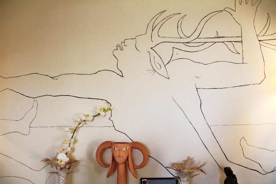 A wall drawing at Villa Santo Sospir.
