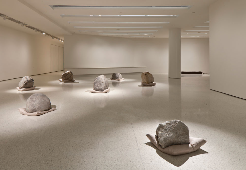 Lee Ufan, Relatum (formerly Language), 1971/2011 (Cushions, stones, and light, overall dimensions vary with installation). Photo: David Heald © Solomon R. Guggenheim Foundation, New York