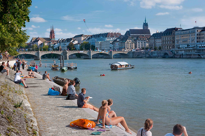 Swimming in the Rhine - There's nothing better than being swept away by the current on a warm summer's day