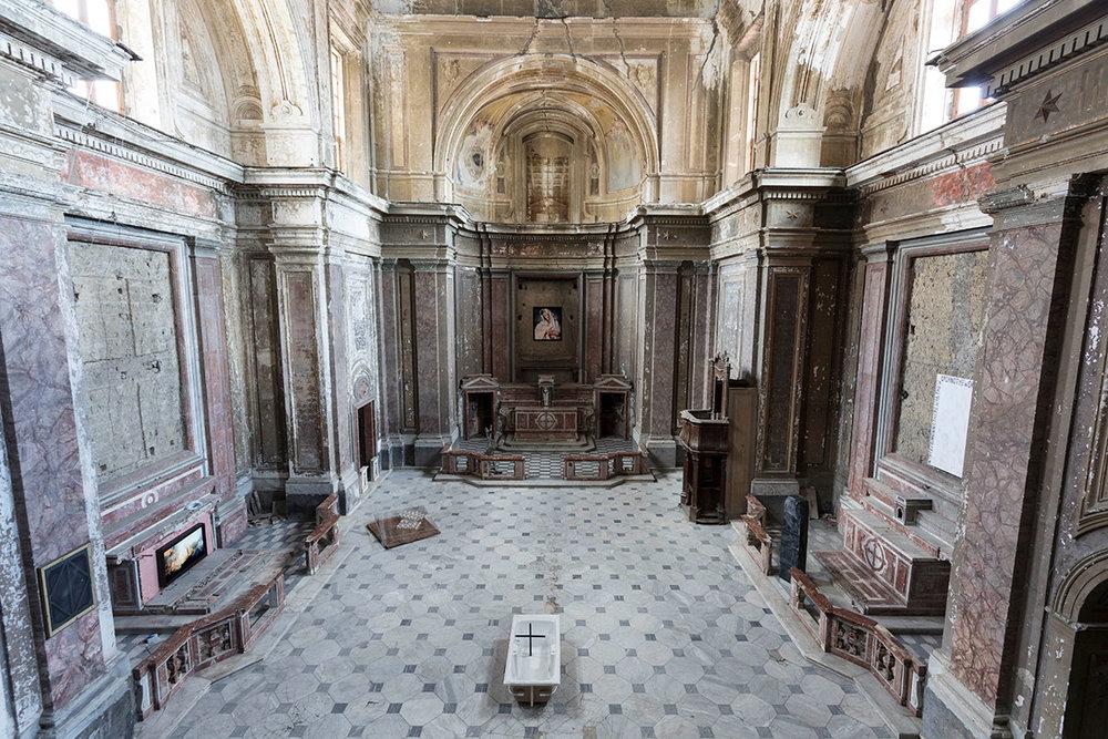 """Collezione Agovino at the church of San Giuseppe delle Scalze. ©Maurizio Esposito for Collecteurs.""""Frammenti di Paradiso"""", installation view, Chiesa delle Scalze, Naples"""