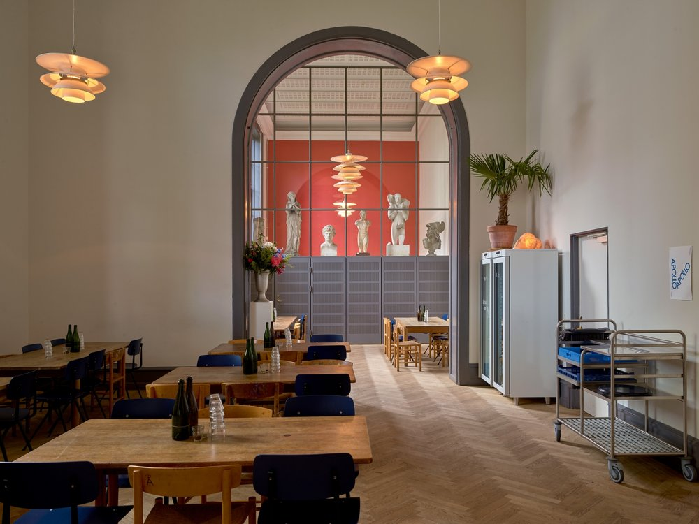 Apollo Bar & Kantine @ Kunsthal Charlottenborg - Nyhavn 2, 1051 Copenhagen KLife-size classical sculptures dot another of chef Frederik Bille Brahe's ventures, within the Kunsthal Charlottenborg gallery.This super-stylish canteen offers one lunchtime dish, while the more intimate bar serves three meals a day.
