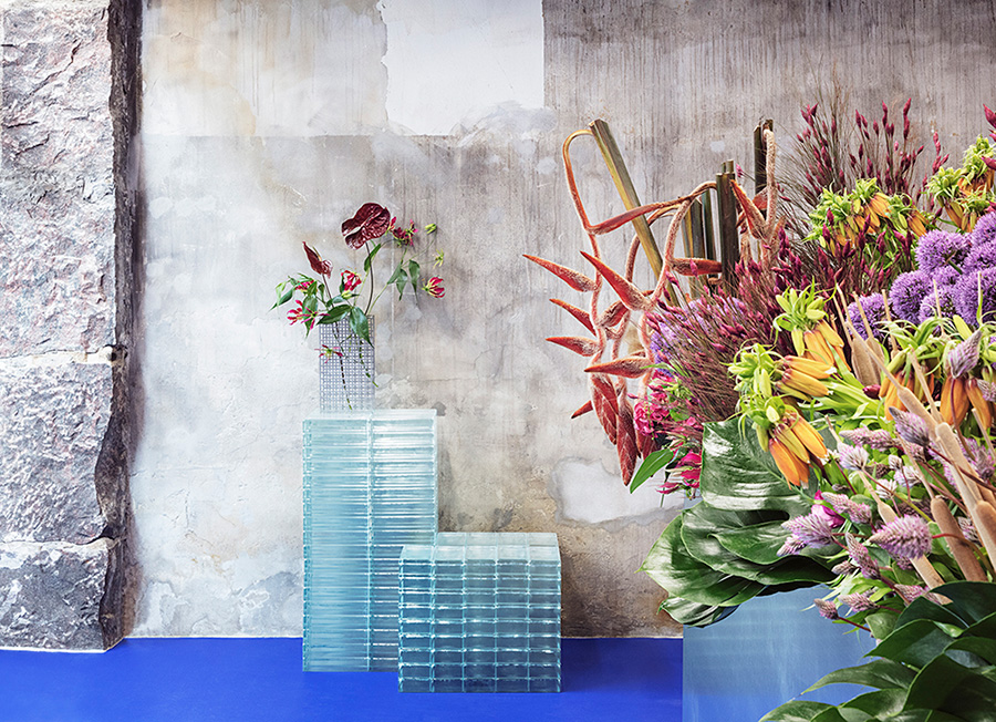 Tableau - Store Kongensgade 50, 1264 CopenhagenFounded by Danish florist Julius Værnes Iversen and designed by Copenhagen-based architect David Thulstrup, Tableau resembles something like an art gallery. Instead of art on display though, there are dreamy floral arrangements displayed on individual pedestals scattered throughout the store.
