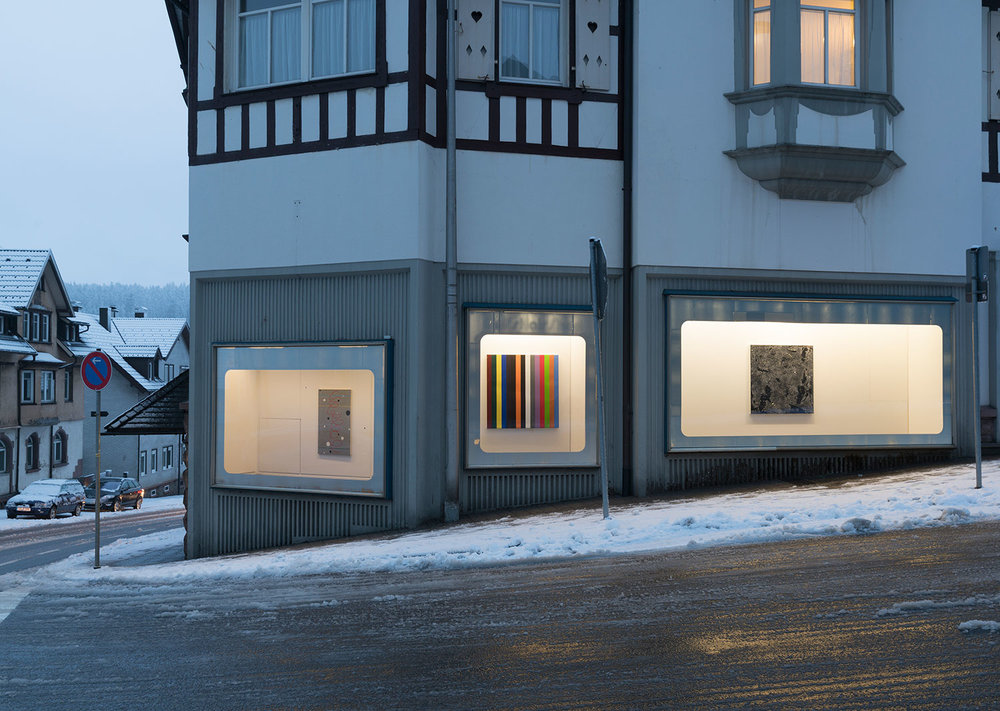 Since 1995, Grässlin's Collection's RÄUME FÜR KUNST (Spaces for Art) has been using empty shops in the town of St. Georgen to share the collection with the public. Here, showing Heimo Zobernig © VG Picture Art