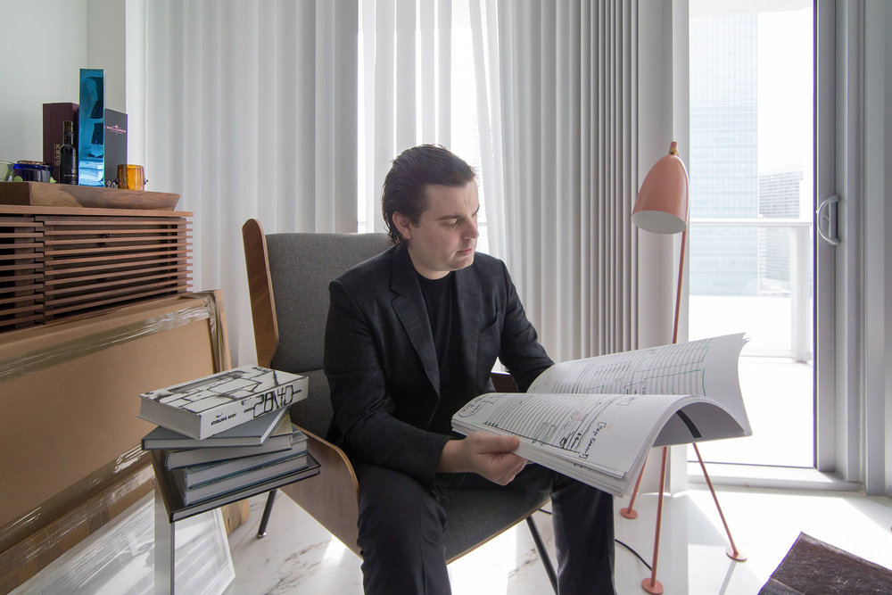 Roberto Toscano at home in Miami. © Monica McGivern for Collecteurs Magazine
