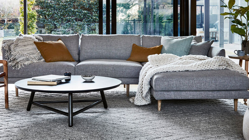 Vittoria Mia Sofa and Chaise