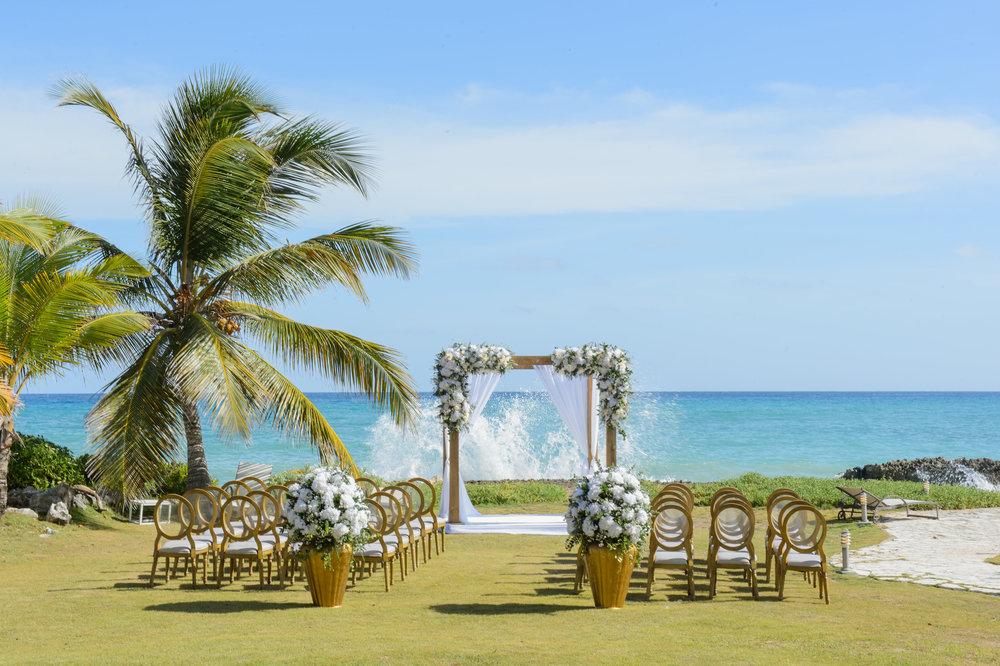 Briana & Jamie, October 7, 2016 Venue: La Palapa Caleton Cap Cana, Punta Cana Dominican Republic Photo by:  Inije Photography