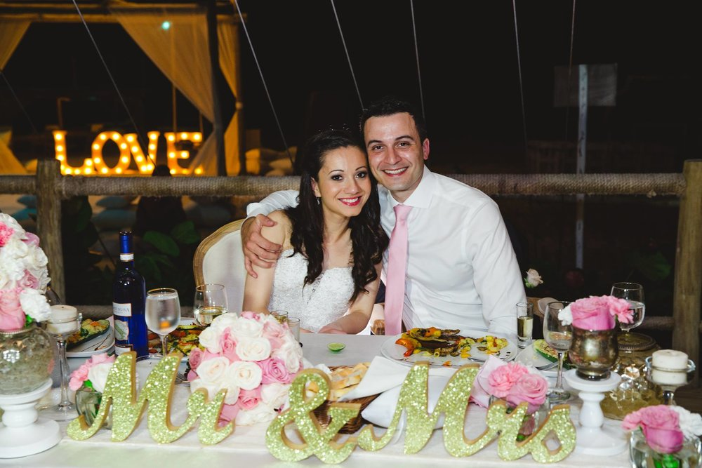 Irina & Roman, June 2, 2015 Venue: Jellyfish Restaurant Photo by  Photo Souvenir