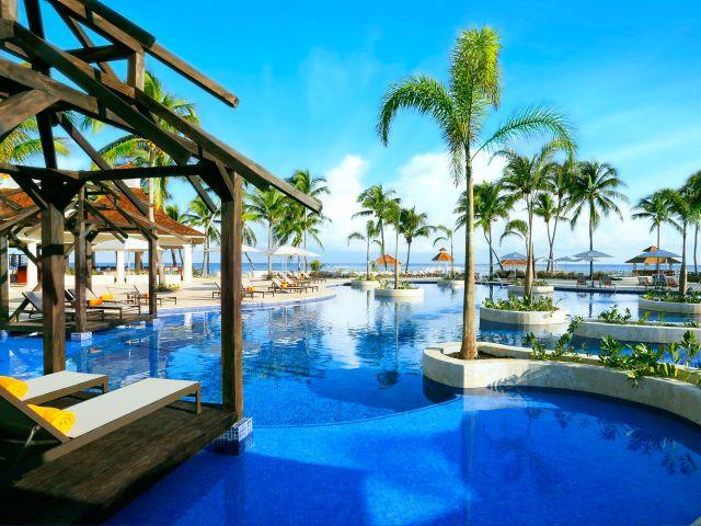 Hyatt-Ziva-Rose-Hall-P015-Activities-Pool.adapt.4x3.640.480.jpg