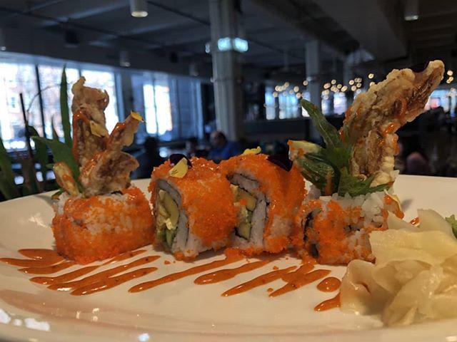 New roll alert!! Spider roll @hilo_pokesushi #spiderroll #Sushi #Sushiroll #rhousebaltimore #Hilopokesushi