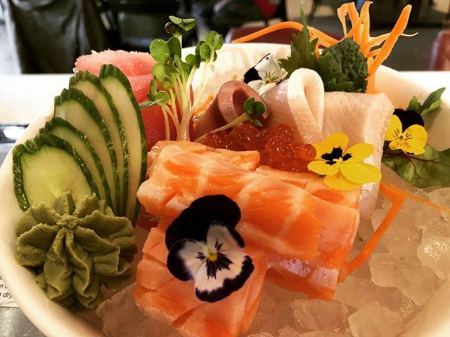 Sashimi bowl. #sashimi #Hilopokesushi