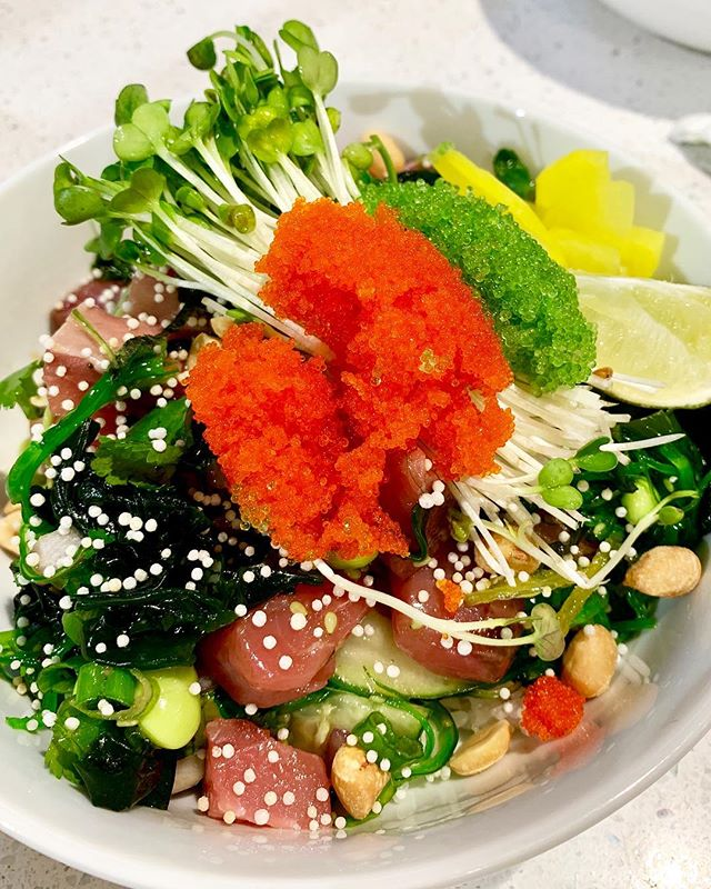 Need a break from Thanksgiving food? 😪Ditch the turkey and have some poké instead!  Here we have our Hawaiian Dream bowl: fresh kampachi with yuzu ponzu sauce, masago, and wasabi tobiko on top 🤤🐟 . . . . . #baltimore #baltimorefood #charmcity #charmcityfood #sushi #poke #kampachi #masago #hilopokesushi #rhouse #hawaiianfood
