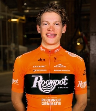 Floris Gerts - Team Roompot - Nederlandse Loterij - Floris is a Dutch rider who joined Team Roompot in 2018 after two years of WorldTour experience.   He is putting his experience to good use as a team rider but also stretching for individual results.  And he is no stranger to success, having won the 2016 Volta Limburg Classic.  Floris is quite happy with the relaxed but ambitious team.