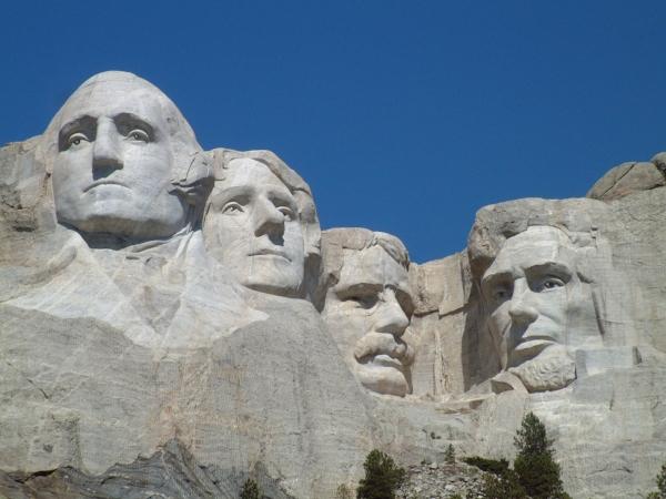 1.26Mount_Rushmore_National_Memorial.jpg
