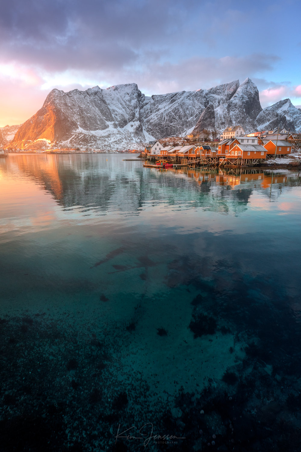 Reine_sunsetglow.jpg