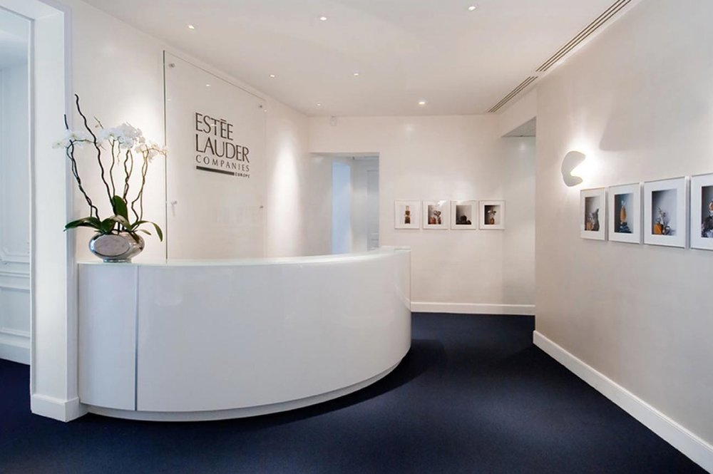 Estée Lauder | Paris   Creating a feminine and sophisticated atmosphere in a classic Parisian building while adapting to today's practical and functional requirements was the scope of the renovation of the European headquarters of Estée Lauder.