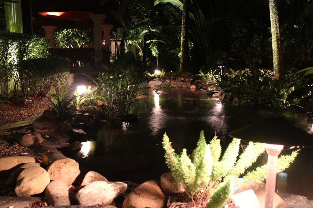 Create atmosphere around water features