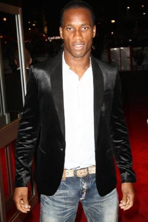 Didier Drogba Suits Tuxedo 2MuQQxLPgVxx.jpg