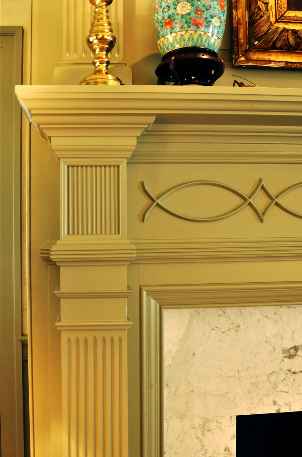 7. Eastern Shore 2019 Minton LR mantel detail.jpg