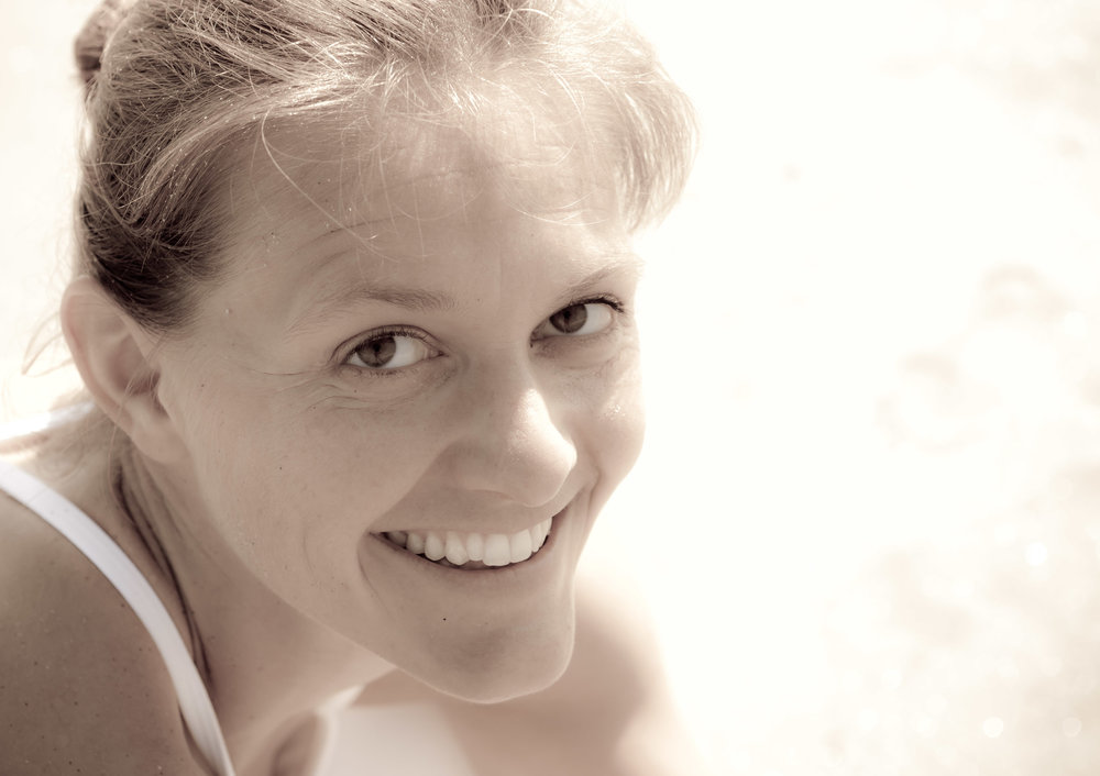 Georgia Reath is a senior yoga teacher and creator of Blue Light Yoga