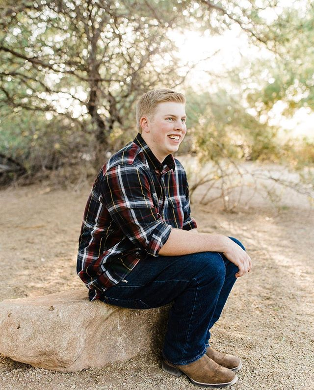 "One of my favorite things about photography is that I can help people feel good about themselves! Blake was really nervous about his senior session and didn't even want to take photos, but during our shoot I showed him this photo and he said ""Dang! I look good!"" It made ME so happy because it made HIM feel so much more confident.🌟 Honestly, I hate 95% of the photos taken of me... What helps is to have a photographer who can recommend outfit choices, understands flattering angles, and knows what things make you comfortable in your own skin. ❤️"