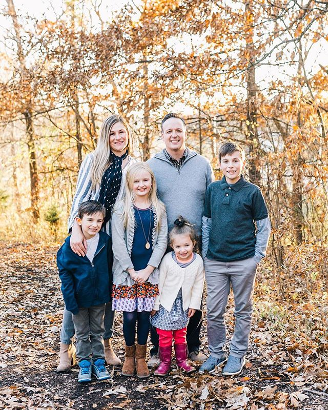 The Livingston family❤️ Loved this beautiful session. Autumn in Kansas City is wonderful! Winter? Not so much. I'm already freezing and it's November 😭 #sendhelp This Arizona girl just can't hang!