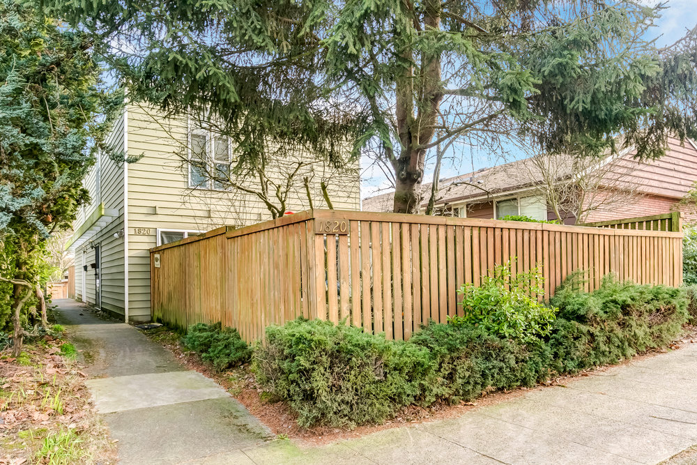 1820 6TH AVE W $1,260,000 - Queen Anne | 2 Units
