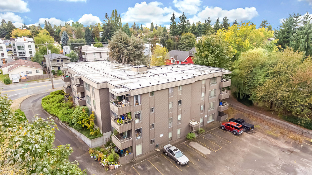holden-apartments-seattle-apartment-team-mckay-chhan