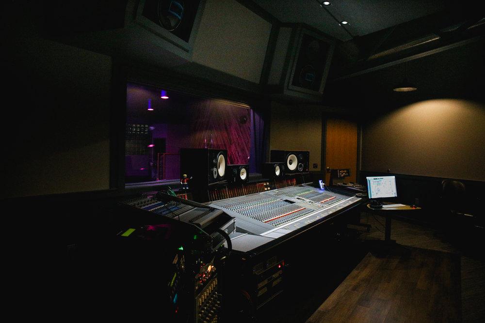 Studio-0494.jpg