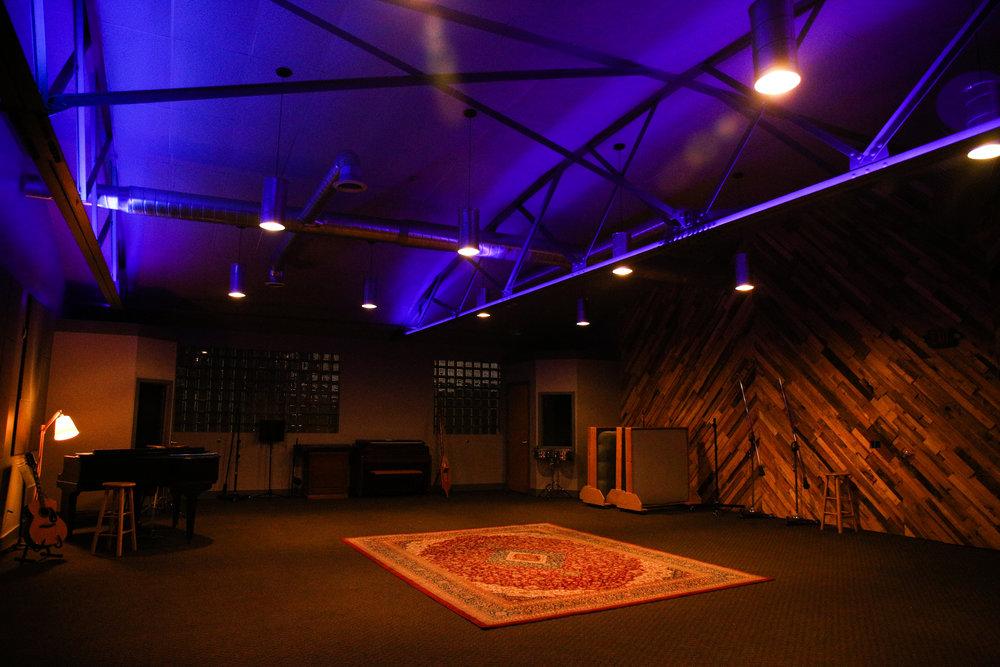 Studio-0505.jpg