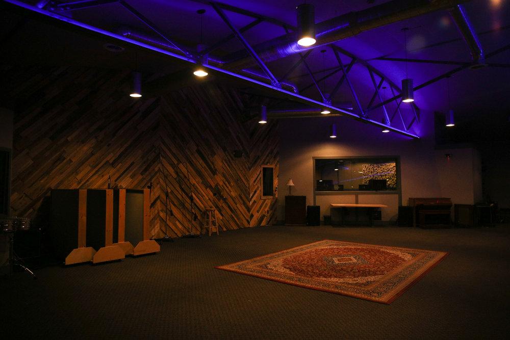 Studio-0508.jpg