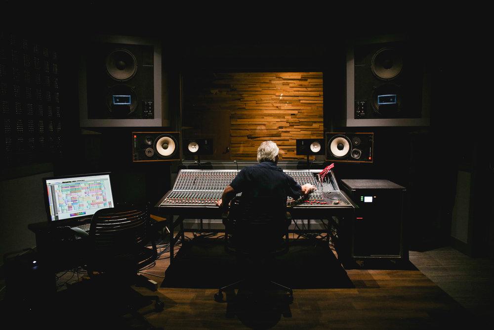 Studio-0520.jpg