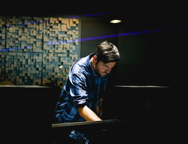 Head Sound Engineer Joe Hettinga dialing in another epic session. Have a great weekend! . . . . #peoplescreatives #peoplescreative #artofvisuals #visualsoflife #thirdcoast #thirdcoastrecordingco #recordingstudio #liveroom #tracking #recording #studio #michiganmusic #localmusic #musician #music #producer #gearhead #gearporn #ssl #ssl4000 #grmi #grandrapids #art