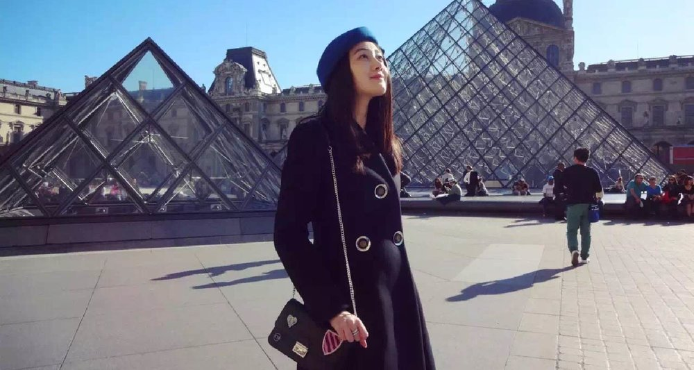 AmeriChina客户于巴黎街拍