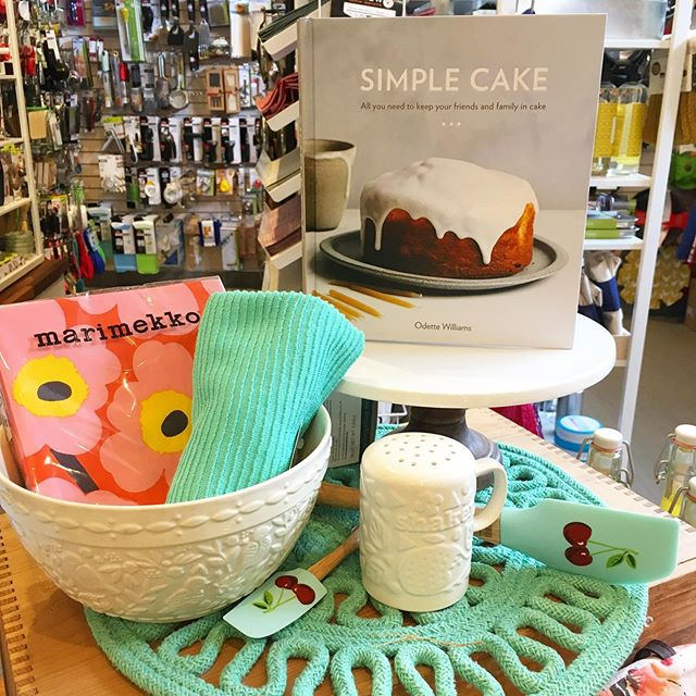 We hope some Easter weekend baking in on the agenda! . If inspiration is needed we have some incredible baking books, like this super lovely 'Simple Cakes' by Brooklyn based @odettewilliams 💕 . . . . . #baking #eastercookies #happyeaster #ottawa #longweekend #ottawafoodies #myottawa #shoplocal #ott #idigelgin #elginstreet #potandpantry613 #upperelgin