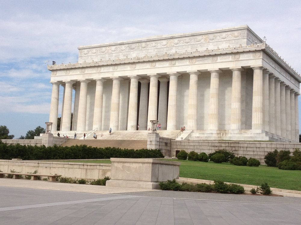 LINCOLN MEMORIAL,WASHINGTON  CALACATTA GOLDEN