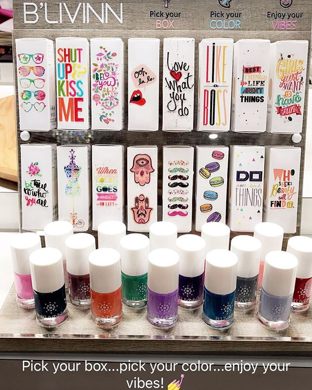 Pick out your color... pick your box.. put them together = the perfect little addition to a gift @modernartdesignstudio #prettynails #polish 💅💅
