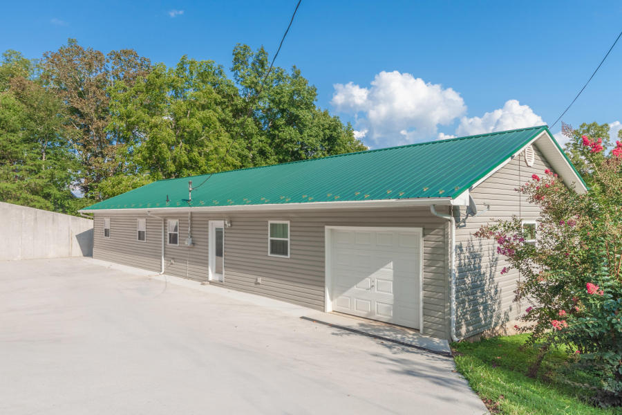 497 Dogwood Acres Lafollette, TN 37766