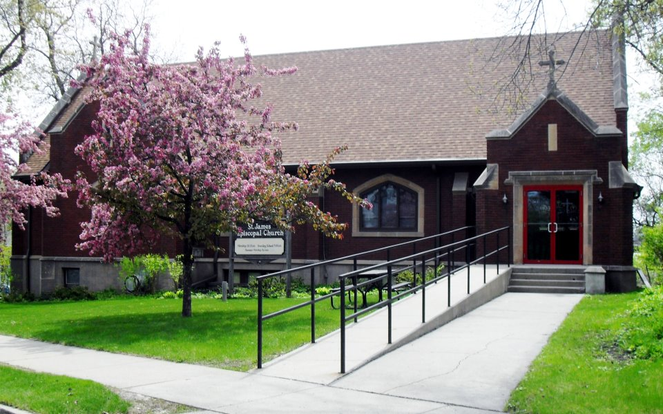 Fergus Falls, MN - APRIL 24, 2018St. James Episcopal Church and generous sponsors in Fergus Falls, MN hosted a two-hour community presentation of the Don't Buy It Projectby Noelle Volin, Don't Buy It Project Director of Training & Technical Assistance.