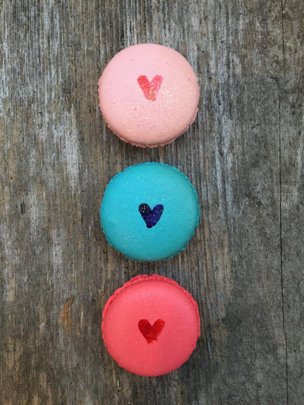 macarons hearts