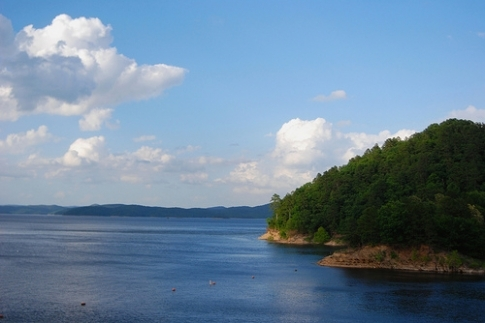 Broken Bow Lake