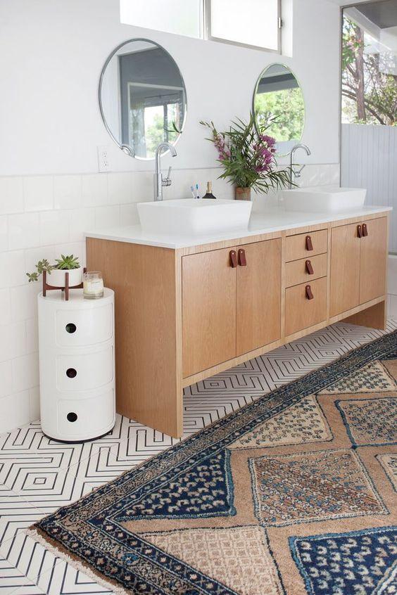 Modern White Coastal Bathroom. E Design available at www.dinamariejoy.co