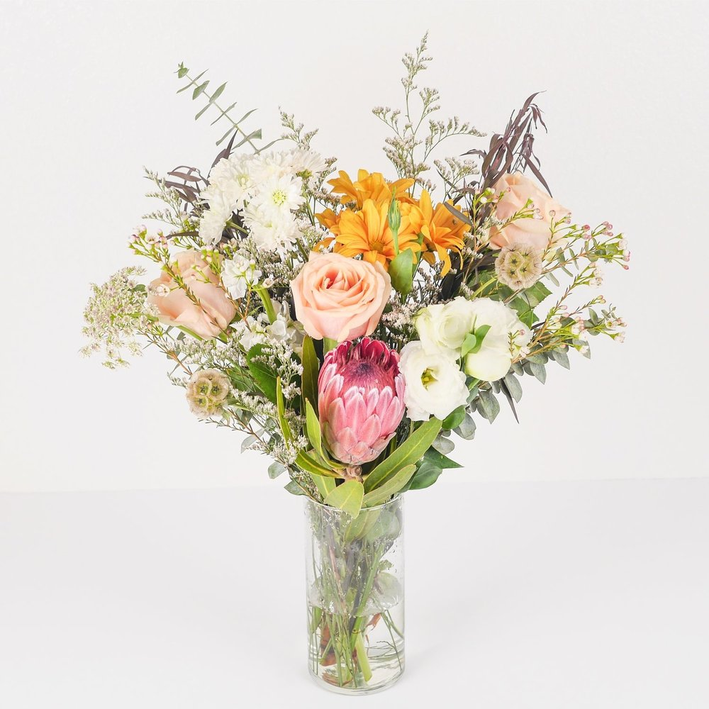 Flora Flowers Delivered to your home in Fresno California. Dina Marie Joy's Friday Favorite pick. www.dinamariejoy.co
