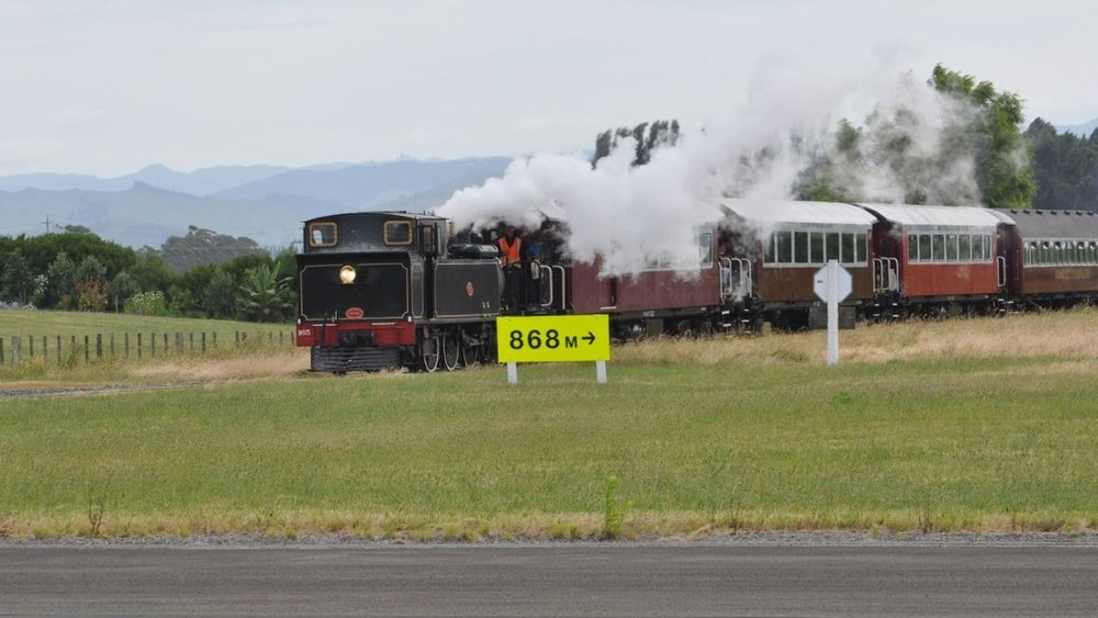 Train approaching at Gisborne 1