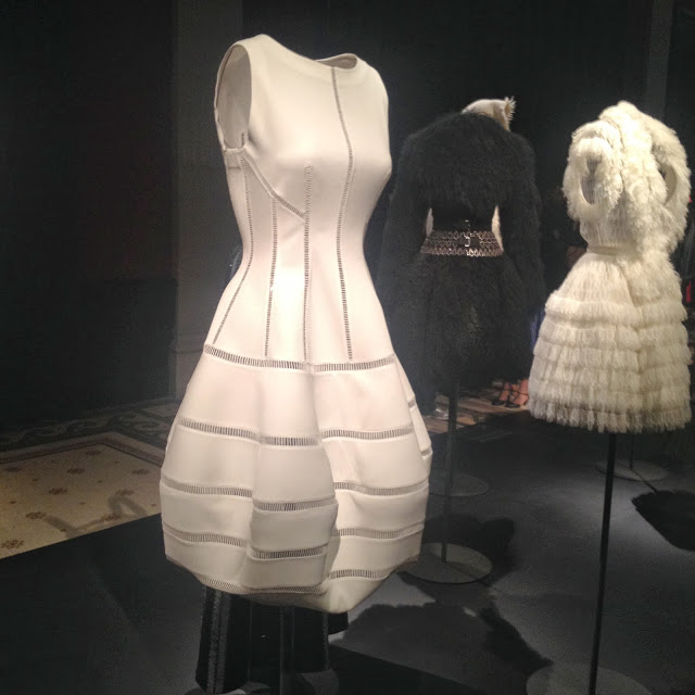 alaia paris exhibit, palais galliera, musee de la mode, paris fashion week