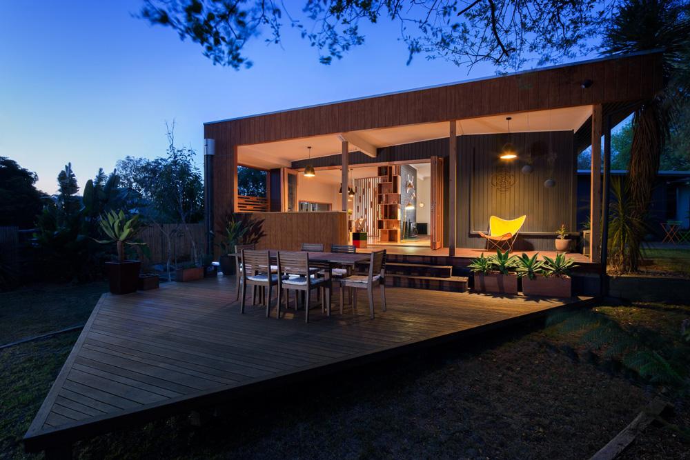 house+on+traingular+block,modern+timber+home+design,contemporary+home+nunwading.jpg