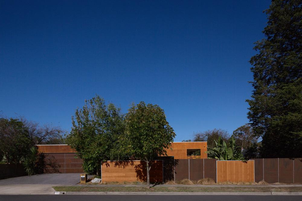 esd+house+design,alfresco+dining+room,bench+seat+design,black+brick+wall.jpg