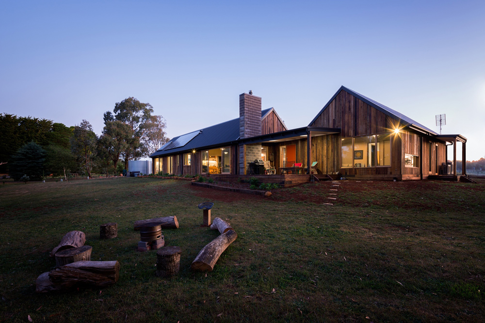 yoga+studio+home,spotted+gum+timber+home,spotted+gum+timber+house,.jpg